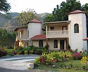 Rental Properties, Lease and Holiday Rentals: Altos Del Maria Mountain View, Creekside Paradise