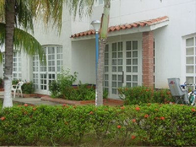 Property For Sale Or Rent: Thownhouse for sale in Margarita Island - Venezuela!
